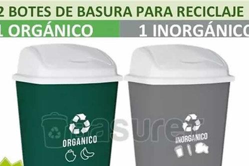 Recycling Bins  //  Botes de Reciclaje