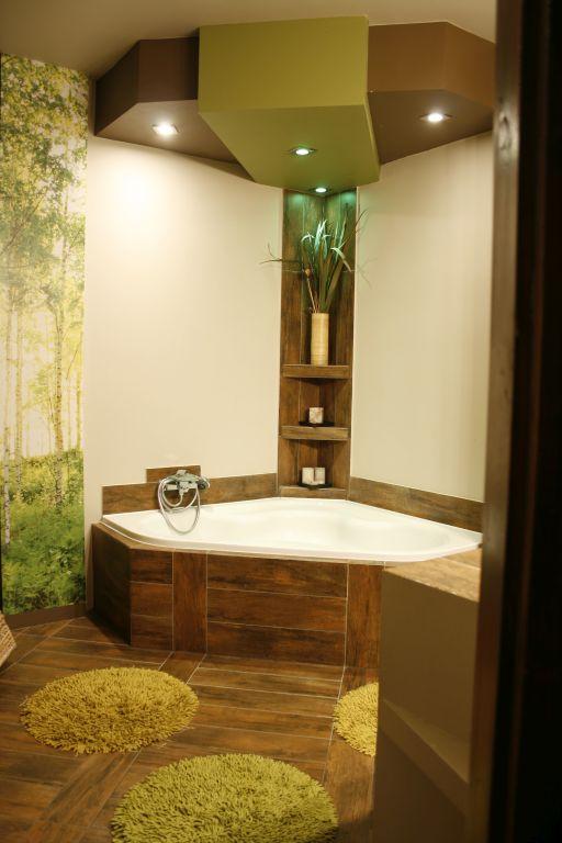 Távlati kép az átalakított fürdőről