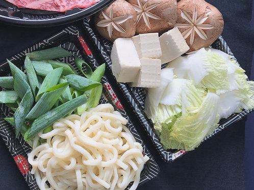 Extra Hot-Pot Vegetable and Noodles  追加火鍋用蔬菜與烏冬麵