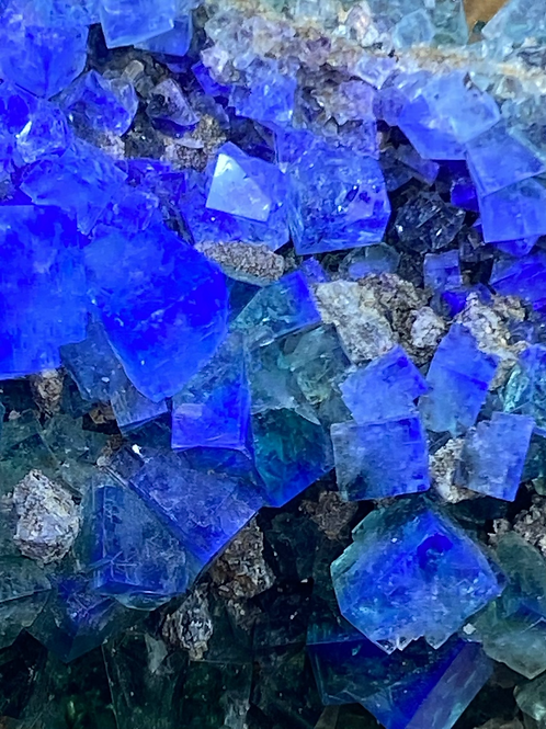 Colour change Fluorite from UK
