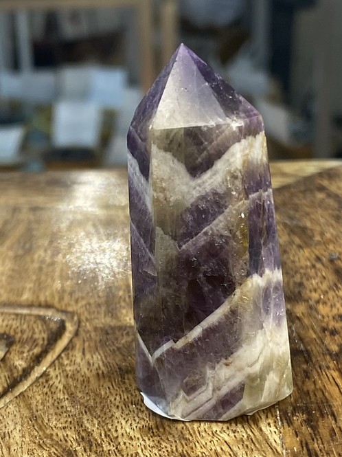 Amethyst Chevron Point