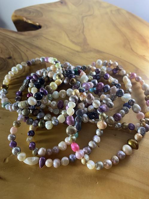 Bracelets: Pearl