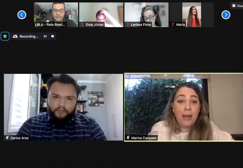 Chat between Carlos Aros and Marina Cançado (XP Investimentos)
