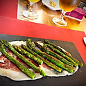 Wild asparagus grilled with ham