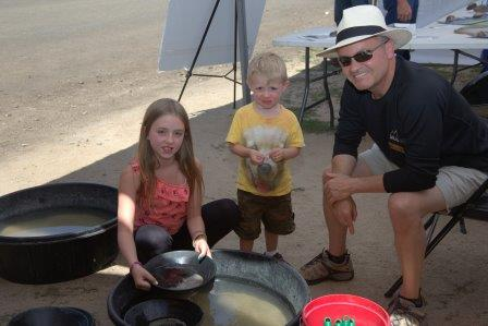 Gold Panning at the Midas Gold booth