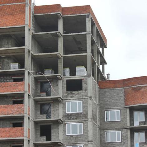 многоэтажный дом из шлакоблока.jpg