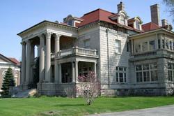 Дом из облицовочного камня