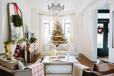 Friday Faves: A Completely Covetable Holiday Home Tour