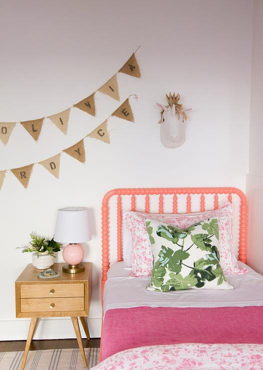 Living Coral kids bed