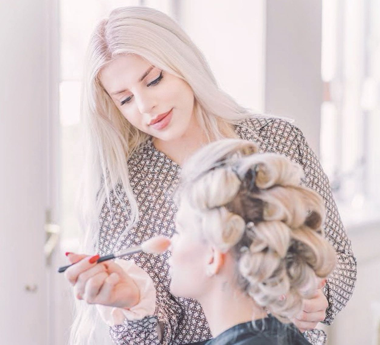 Makeup Lessons per Hour per Person