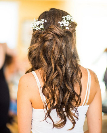 brudehår med blomster københavn