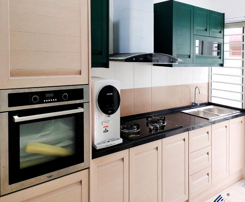 Oak And Tex Green Woodgrain Aluminium Kitchen Cabinet