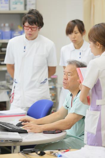 医師と看護師.JPG