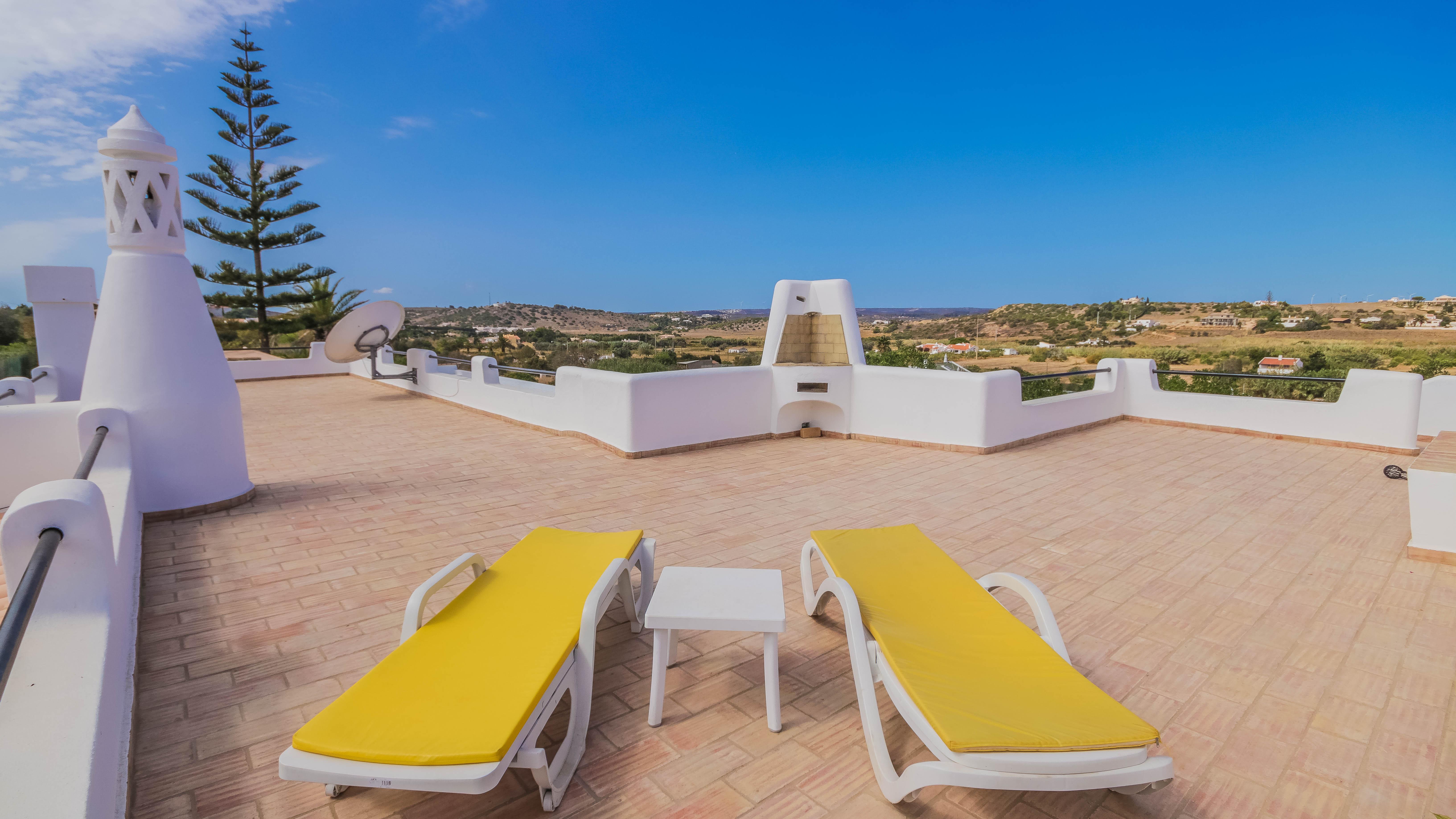 CASA_DO_POCO_Spacious_roof_terrace_and_v