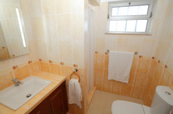 2nd_bathroom_-_Cópia.JPG