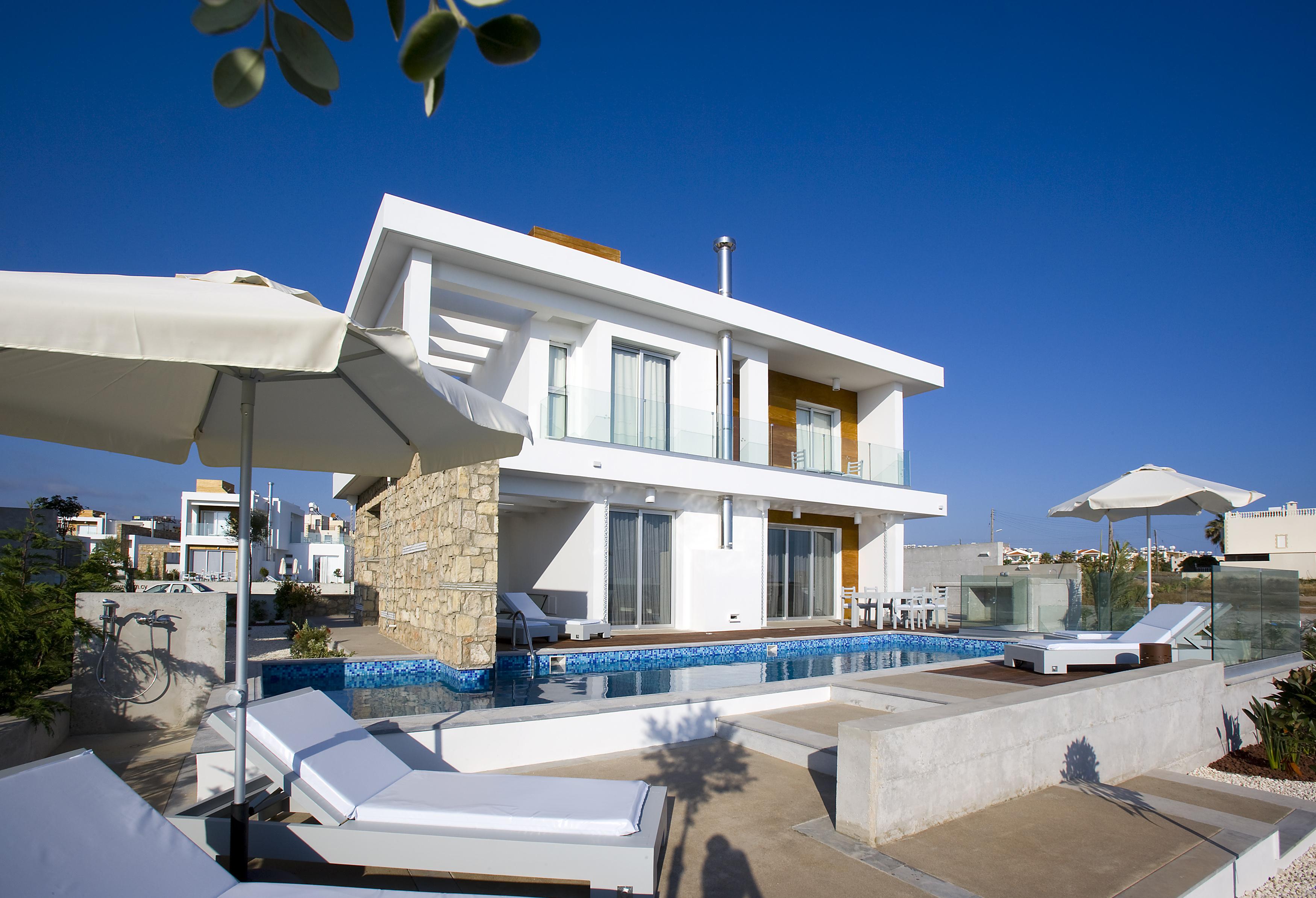 www.cyprusselectvillas.com