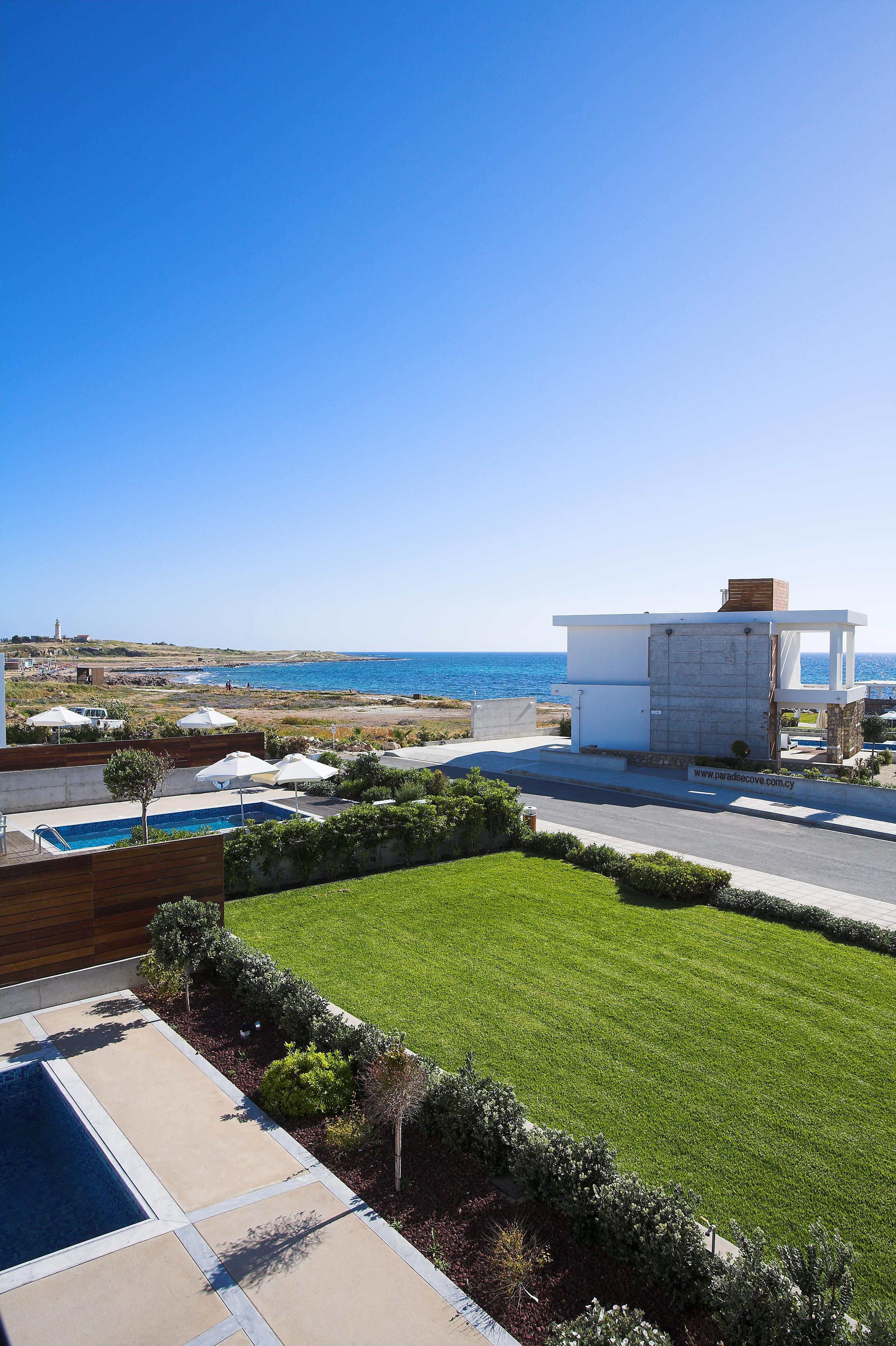 Pahos Azure villa for holiday