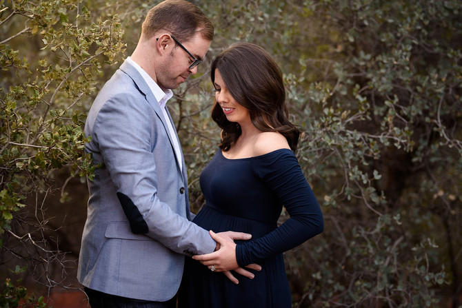 Sedona Baby Moon | Katie and Taylors Sunset Bell Rock Maternity Session