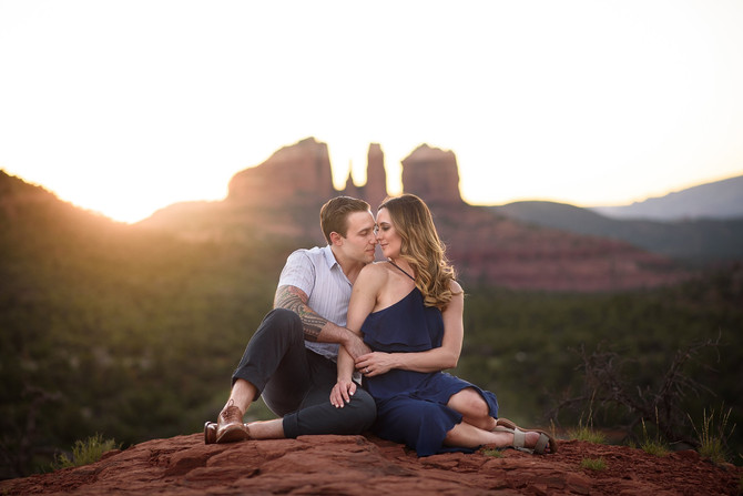 Caroline and Taylors magically romantic Sedona Engagement session