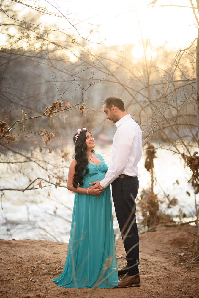 Aneesh and Dilukshi's Sedona Baby Moon Maternity Session