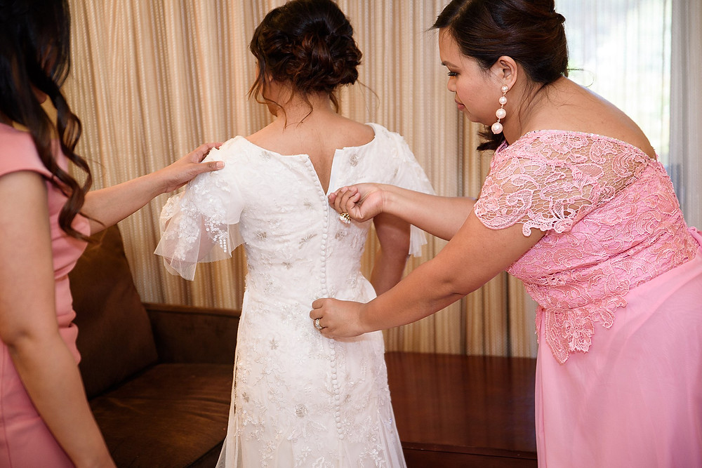 Bride getting ready| Sedona Heritage Museum| Joyce and Friday