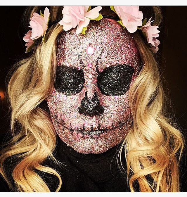 💖💀 #glitterskull #halloween #mua #makeupartist #muashootingstar #exeter #devon