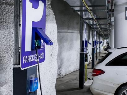 Ehrnroothien Atine sijoitti yli miljoonan sähköautojen latausyhtiö Parkkisähköön