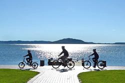 ロトルア湖を走る
