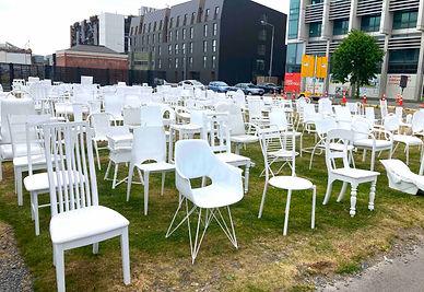 追悼の椅子.jpg
