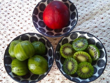 今が旬!一口で食べられる『キウイベリー』は小さなスーパーフルーツ