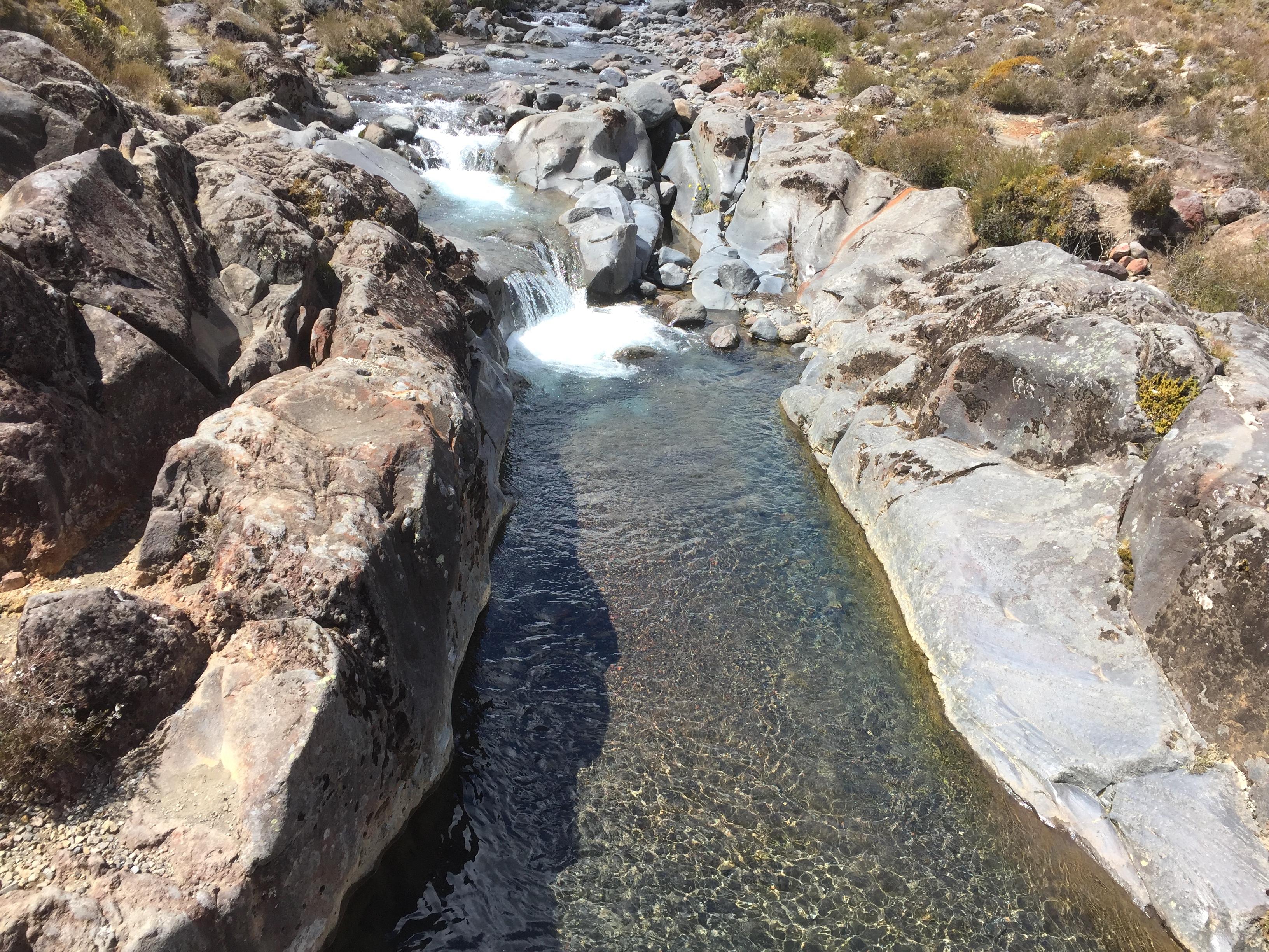 透き通った上流水