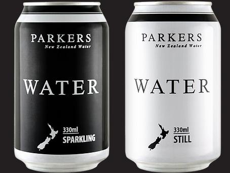 エコをとことん考えるNZの缶入りミネラルウォーター