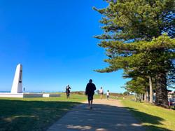 ビーチ沿いの歩道