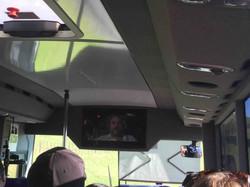 移動バス車内