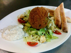 Fried avocado with lettuce and tartare sauce