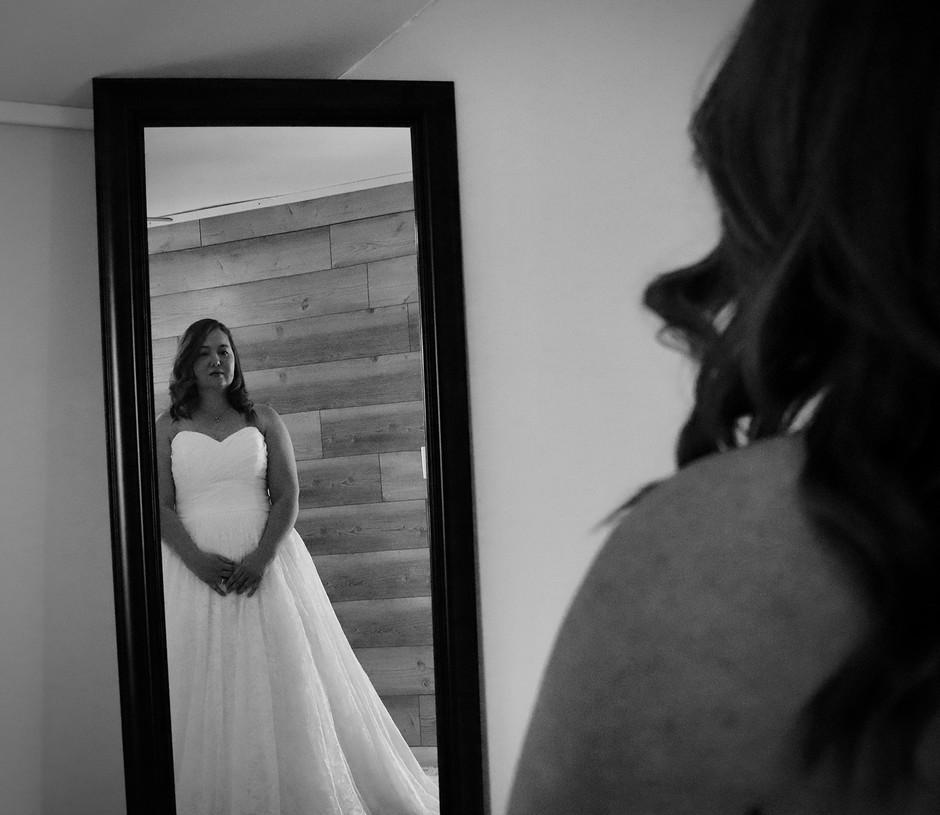 mirror&bride.jpg