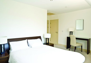 awgolf-bedroom-1.jpg