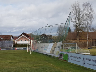 Das Vereinsgelände des FC Reichstorf durch Sturm Sabine stark beschädigt