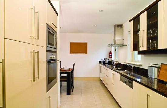 awgolf-kitchen-1.jpg