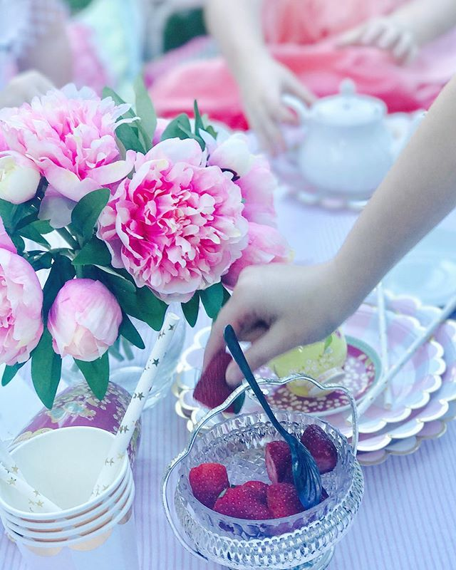 Impromptu High tea 💖💖💖 #hightea #highteatime #highteaparty #styling #stylist #saturdayafternoon #