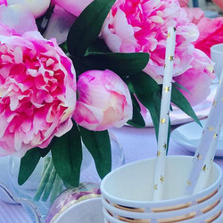 ✨Peonies✨#teaparty #gardenparty #eventplanner #eventstyling #childrensevents #childrensdecor #partyd