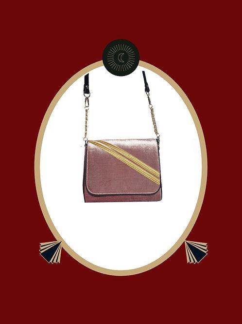 Nesybé in Rose Messenger Bag