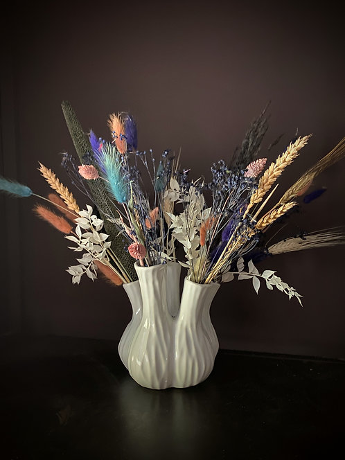Aglio white vase with dried florals