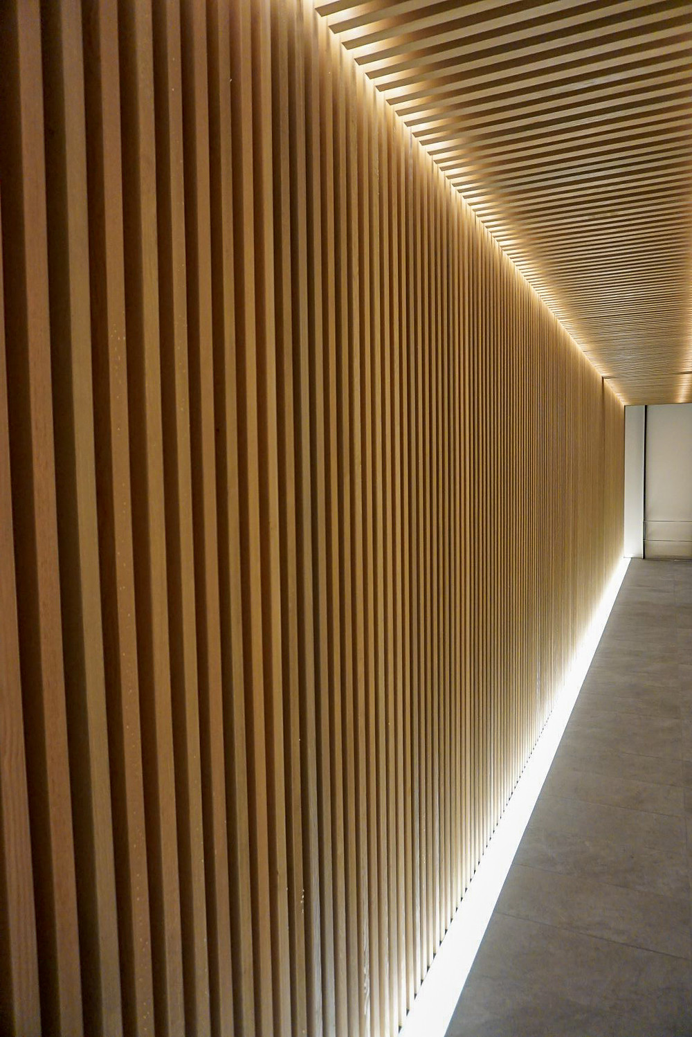 Kyoto Kumico Amaterrace Entrance: Repetition of lines and rhythm highlighted with floor LED's