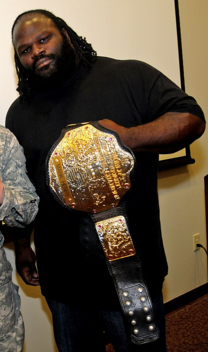 Spurs get help from WWE Star Mark Henry to destroy Rockets mascot