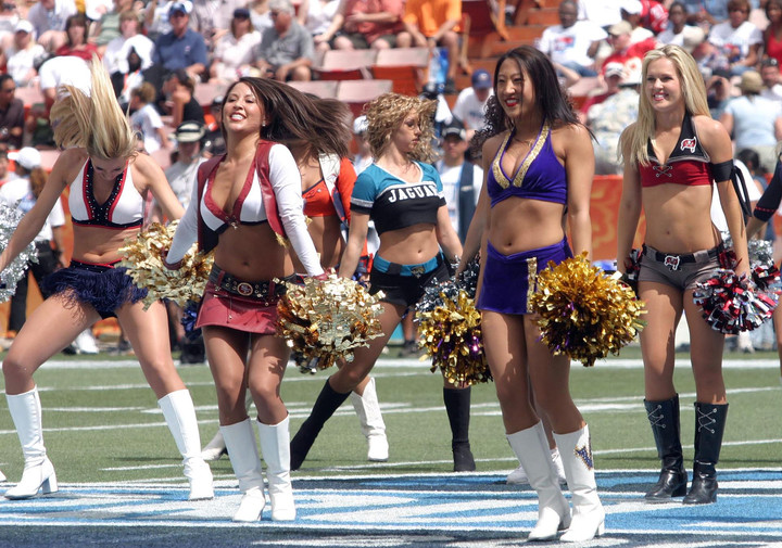 One Saints Cheerleader's Lawsuit is Bringing Attention to Insane Team Rules