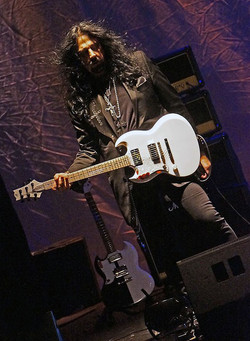 - jb guitar onstage