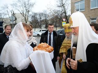 Патриаршее служение в храме Успения Пресвятой Богородицы на Могильцах в Москве.