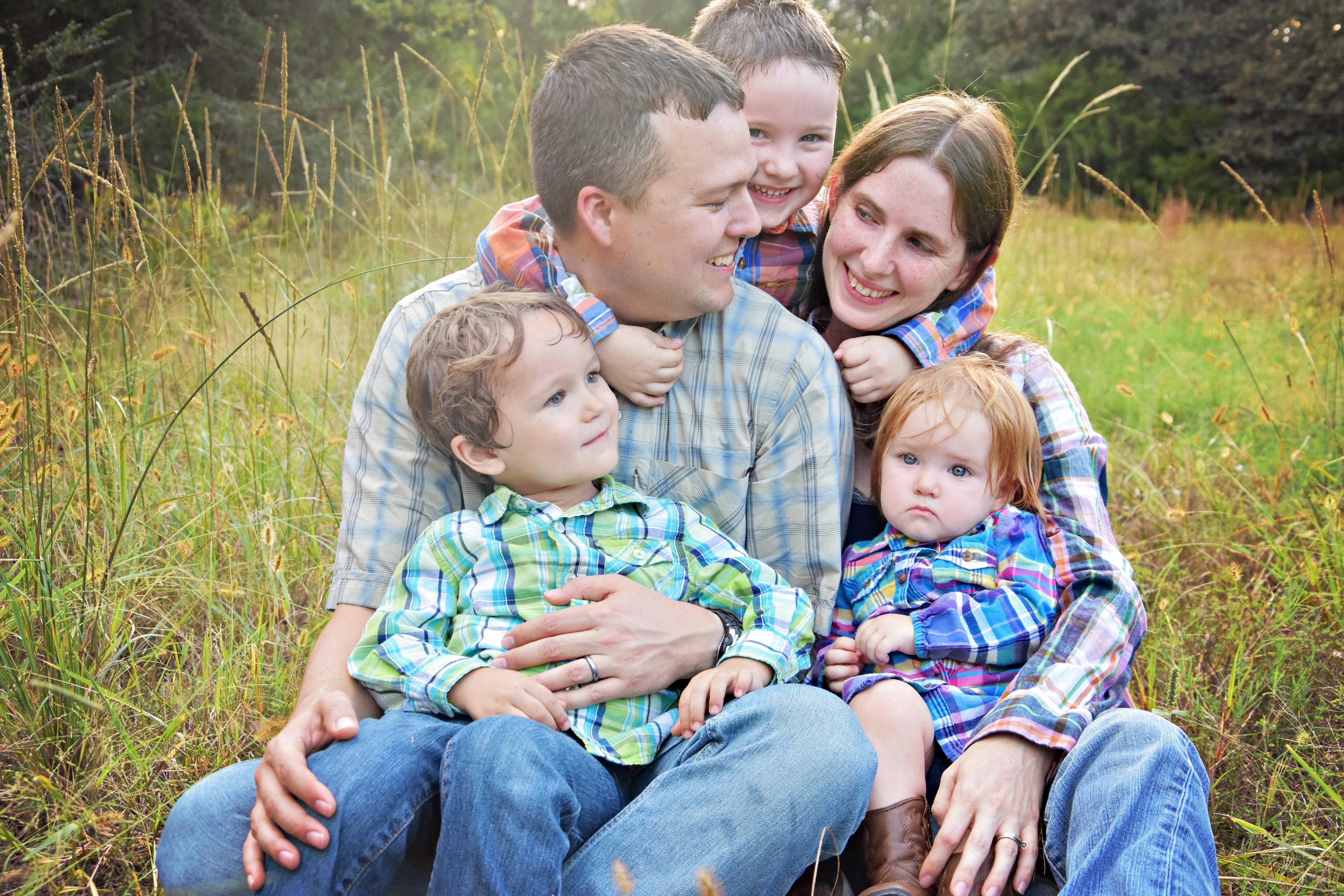 Hollis Family Portraits (30)