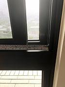 主臥窗戶安全鎖起動後窗戶開起寬度.jpg